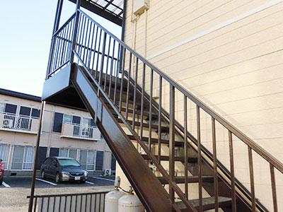 富里市K様アパート 階段塗装