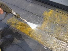 屋根の高圧洗浄2