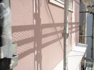 船橋市の大きくひび割れたモルタル壁の塗装後
