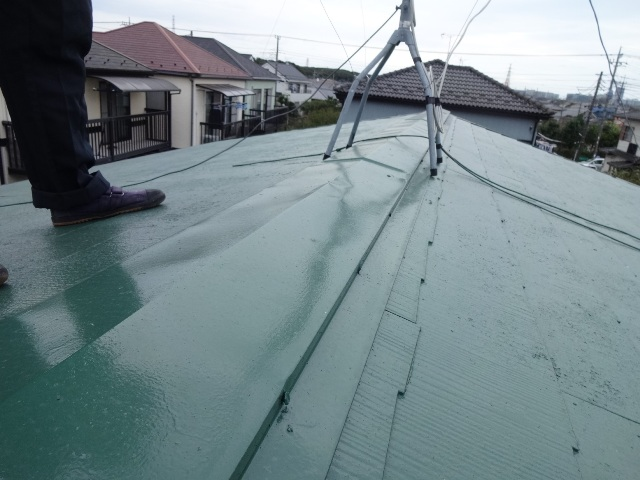 手抜きによる屋根塗装の剥がれトラブルを調査