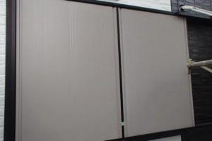 成田市の外壁塗装と屋根塗装の雨戸の施工前写真