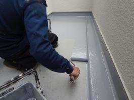 千葉県柏市N様邸の外壁塗装と屋根塗装工程:上塗り(2回目)