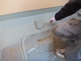 千葉県船橋市U様邸の外壁塗装と屋根塗装工程:プルーフロンバリュー塗布