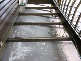 瓦棒屋根の塗装(3種ケレン)2
