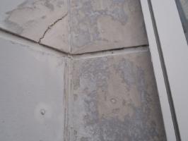 千葉県柏市O様邸の外壁塗装と屋根塗装工程:目地のコーキングの打ち替え(撤去)