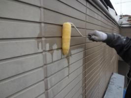 千葉県柏市O様邸の外壁塗装と屋根塗装工程:下塗り