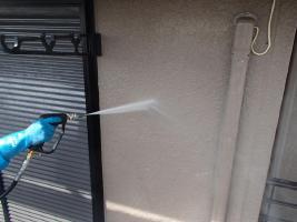 茨城県取手市M様邸の外壁塗装と屋根塗装工程:高圧洗浄