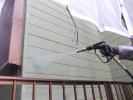 千葉県野田市O様邸の外壁塗装と屋根塗装工程:高圧洗浄