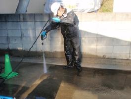 茨城県取手市H様邸の外壁塗装と屋根塗装工程:高圧洗浄