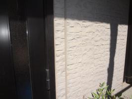 千葉県我孫子市H様邸の外壁塗装と屋根塗装工程:目地のコーキング剤の打ち替え