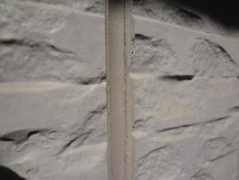 千葉県我孫子市H様邸の外壁塗装と屋根塗装工程:目地のコーキングの打ち替え
