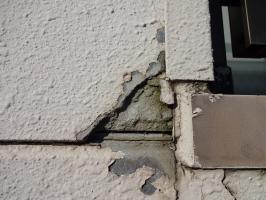 ベランダ周辺の外壁劣化箇所