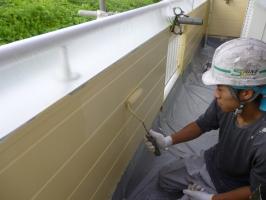 千葉県柏市K様邸の外壁塗装と屋根塗装工程:上塗り2回目(パーフェクトトップ艶消し)