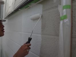 千葉県松戸市S様邸の外壁塗装と屋根塗装工程:下塗り(パーフェクトサーフ)