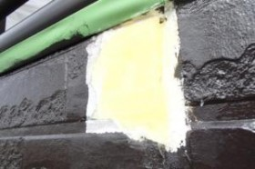 千葉県成田市M様邸の外壁塗装と屋根塗装工程:劣化箇所のパテ補修(パテ補修)