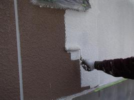 茨城県取手市M様邸の外壁塗装と屋根塗装工程:下塗り(パーフェクトサーフ)