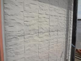 千葉県我孫子市H様邸の外壁塗装と屋根塗装工程:サイディングボードのパテ補修
