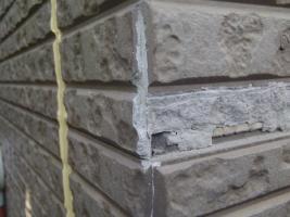 千葉県松戸市S様邸の外壁塗装と屋根塗装工程:コーナー部分の補修(サイディング撤去)