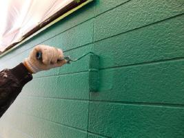 千葉県野田市O様邸の外壁塗装と屋根塗装工程:上塗り2回目(水性シリコンセラUV)
