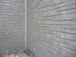 千葉県柏市I様邸の外壁塗装と屋根塗装工程:釘頭のパテ補修(パテ処理)