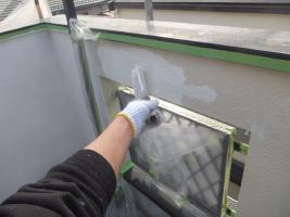 千葉県船橋市U様邸の外壁塗装と屋根塗装工程:下塗り(パーフェクトフィラー)
