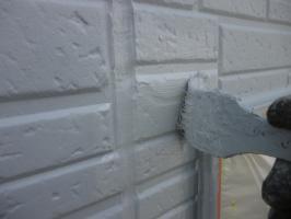 千葉県柏市I様邸の外壁塗装と屋根塗装工程:上塗り2回目(水性ペリアートUV)