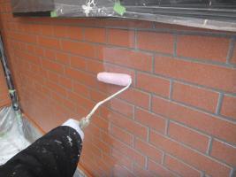 千葉県船橋市U様邸の外壁塗装と屋根塗装工程:上塗り(ダイヤモンドコートGL水性プレーン)