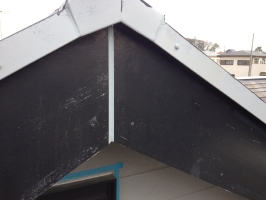 千葉県柏市M様邸の外壁塗装と屋根塗装工程:コーキング打ち替え(完了)