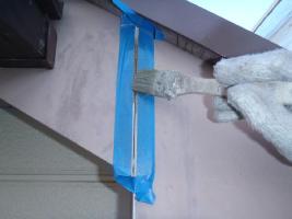 千葉県柏市O様邸の外壁塗装と屋根塗装工程:コーキング打ち替え