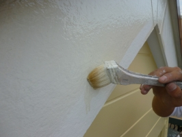 千葉県柏市K様邸の外壁塗装と屋根塗装工程:強化性浸透シーラー