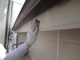 千葉県松戸市S様邸の外壁塗装と屋根塗装工程:ケレン