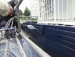 茨城県取手市O様邸の外壁塗装と屋根塗装工程:上塗り2回目 (1液ファインシリコンセラUV)