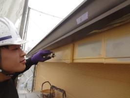 千葉県松戸市S様邸の外壁塗装と屋根塗装工程:上塗り1回目(一液ファインシリコンセラUV)
