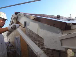 千葉県松戸市O様邸の外壁塗装と屋根塗装工程:下塗り(ファインプライマー)