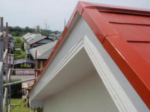 取手市の外壁塗装と屋根塗装の破風板の施工後写真