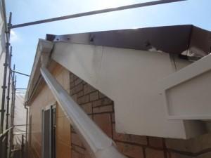 松戸市の外壁塗装と屋根塗装の破風板の施工後写真
