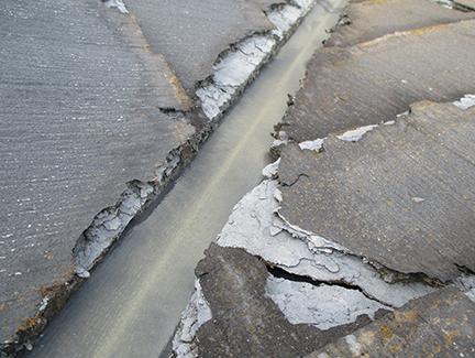 建材使用で発生した雨漏り