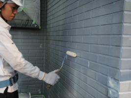 千葉県野田市I様邸の外壁塗装と屋根塗装工程:下塗り