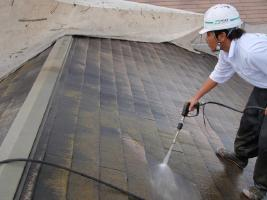 千葉県柏市サンハイツ新堀様邸の外壁塗装と屋根塗装工程:高圧洗浄