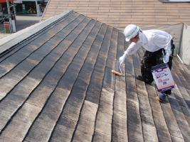 千葉県柏市サンハイツ新堀様邸の外壁塗装と屋根塗装工程:下塗り2回目