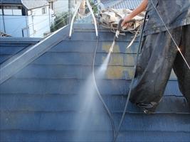 千葉県柏市和田様邸の外壁塗装と屋根塗装工程:高圧洗浄