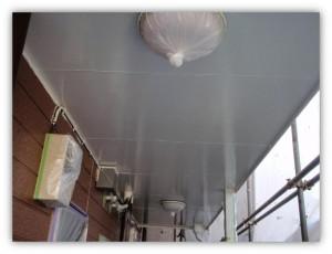柏市の外壁塗装と屋根塗装の軒天の施工後写真