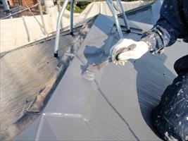 千葉県柏市和田様邸の外壁塗装と屋根塗装工程:上塗り(ルミステージ)
