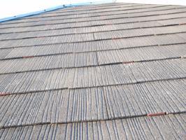 千葉県我孫子市U様邸の外壁塗装と屋根塗装工程:縁切り材の挿入(タスペーサー)