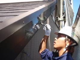 千葉県我孫子市U様邸の外壁塗装と屋根塗装工程:上塗り(1回目)弾性クリーンマイルドウレタン