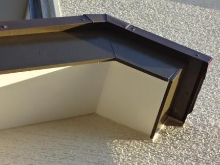千葉県柏市M様邸の外壁塗装と屋根塗装工程:霧除け