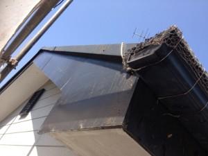 柏の外壁塗装と屋根塗装の破風板の施工前写真