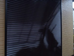 野田市の外壁塗装と屋根塗装のシャッターの施工後写真