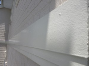 守谷市の外壁塗装と屋根塗装の幕板の施工後写真