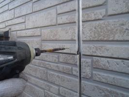 千葉県野田市K様邸の外壁塗装と屋根塗装工程:パネルの反りの直し